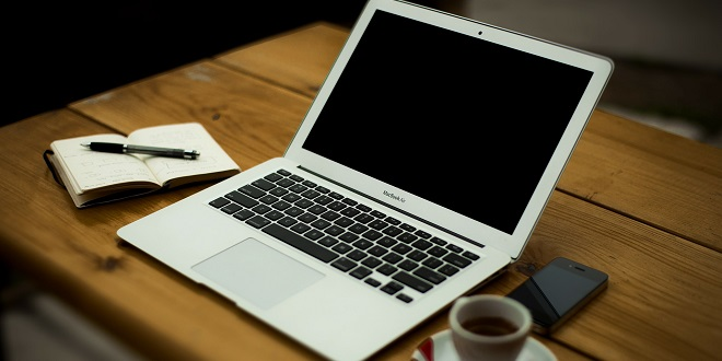 کار با برق لپ تاپ، شارژ باتری و موارد مشابه این مسئله